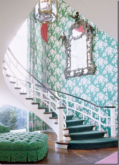 Give Your Lover An Emerald Room to Stay Faithful!