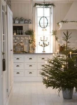 Christmas Decorating 4