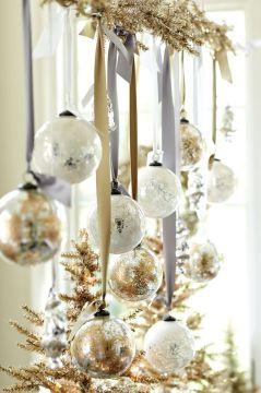 Christmas Suzanne Kasler